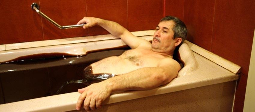 Нафталановые ванный в Азербайджане naftalan.pro